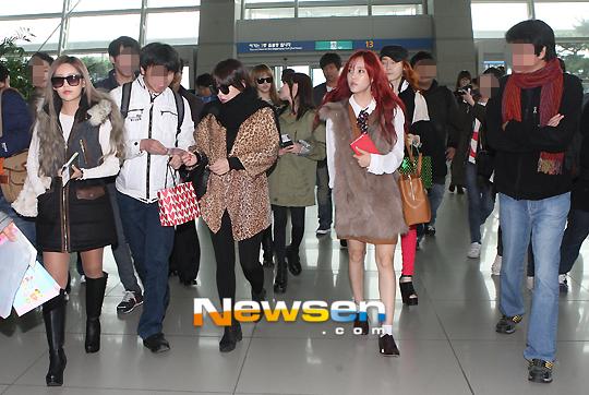 T-ARAが11月9日に韓国の空港から出国