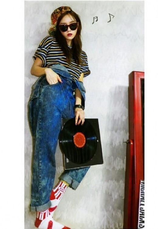 T-ARAヒョミンがインスタグラムでレトロファッションを披露【画像】