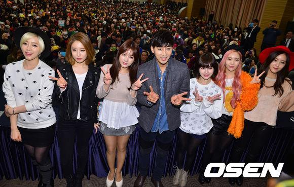 T-ARAのファンサイン会&ソン・ホジュンのハグ会大盛況「5000人のファンが集結」