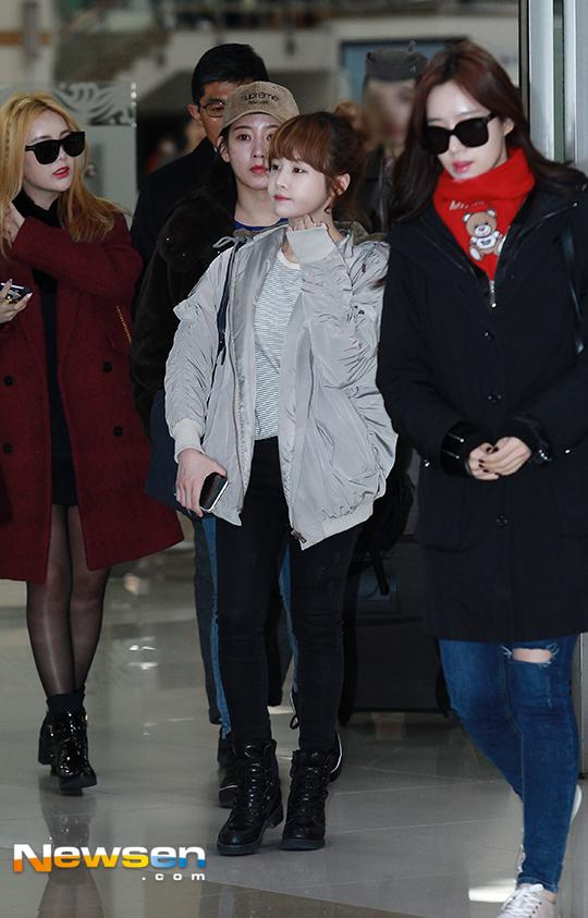 T-ARAが中国での公演撮影を終えて帰国「彼女達の冬ファッションは…」