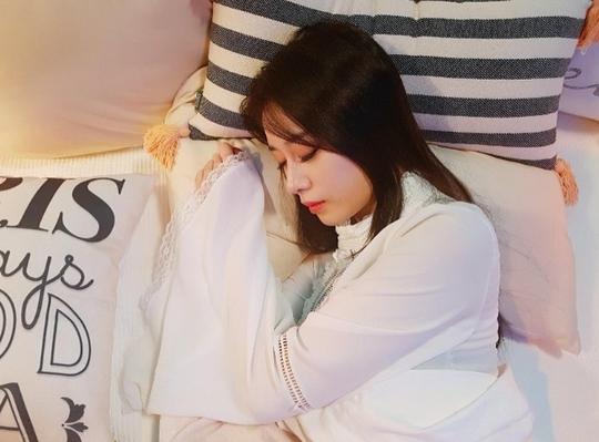 ジヨンがインスタグラムに可愛い寝顔画像をUP