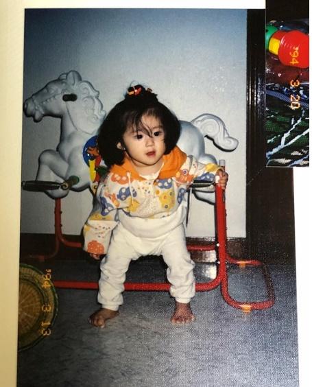 ジヨンが子供の頃の画像をUP【インスタグラム】